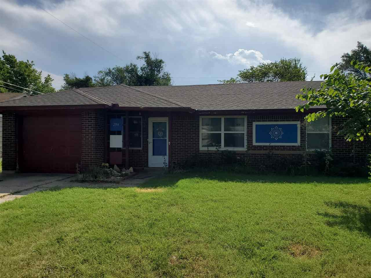Great investment opportunity located in West Wichita.  3bdrm 1 bath with a pantry/utility room off o
