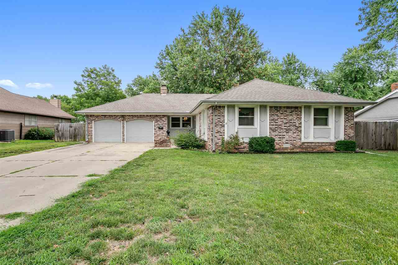 Back on the market. Contract fell through, buyer was not able to obtain financing. Schedule your sho