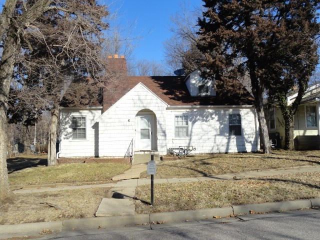 For Sale: 426 W Cave Springs, El Dorado KS
