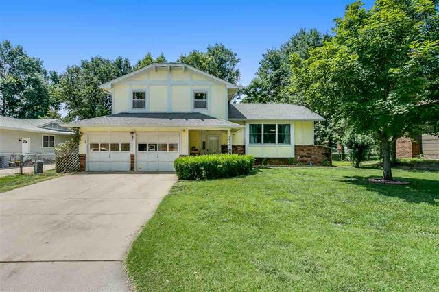 For Sale: 1519 E Oak Forest Rd, Derby KS