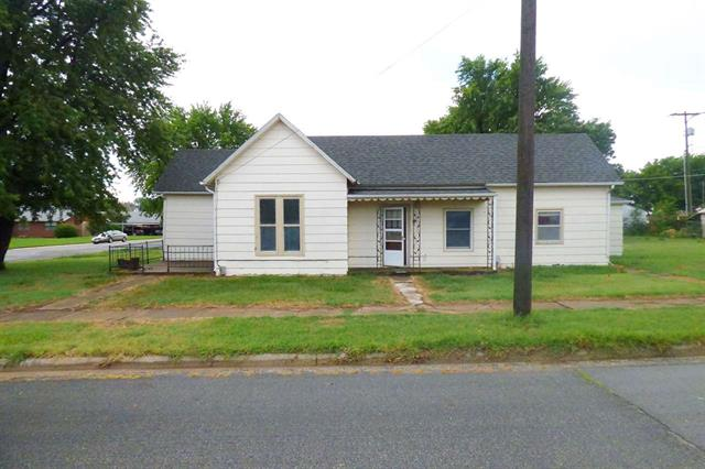 For Sale: 125 E 2nd Ave, Cheney KS