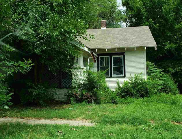 For Sale: 320 N Ash St, Wichita KS