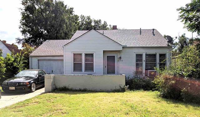 For Sale: 2112 S Washington Ave, Wichita KS