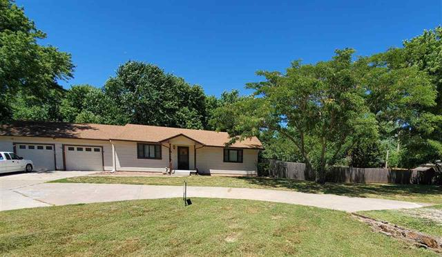 For Sale: 523 N Lakeside Dr, Andover KS