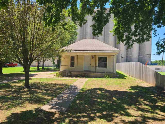 For Sale: 812 S JEFFERSON AVE, Wellington KS