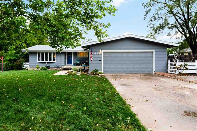For Sale: 423  Broadview St, El Dorado KS