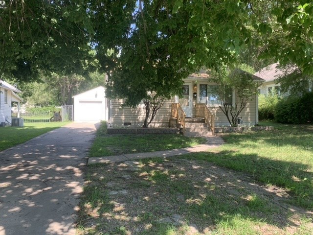 For Sale: 514 S Kansas Ave, Newton KS