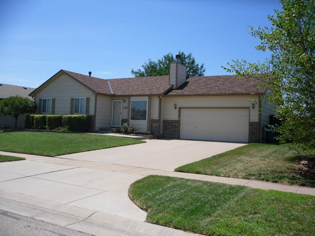 Goddard Schools**No Specials**No HOA** Great family home featuring 4 bedrooms, 3 baths, full finishe