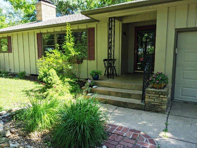For Sale: 425  Morningside Ln, Newton KS
