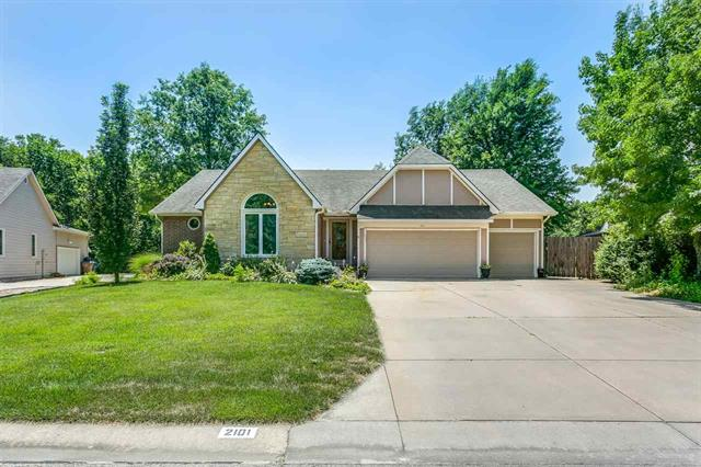 For Sale: 2101 E Countryview Dr, Derby KS