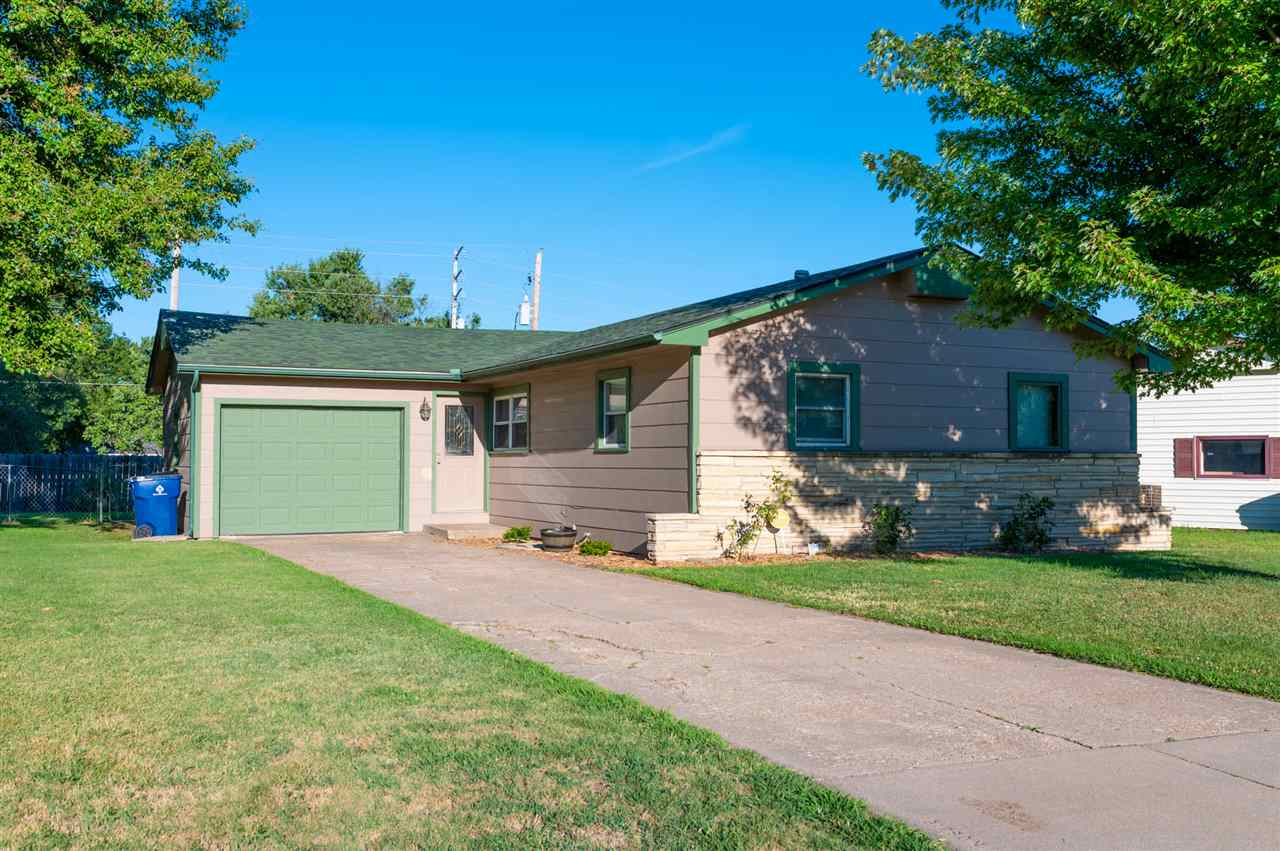 BACK ON MARKET - SCHEDULE YOUR SHOWING NOW AS THIS HOME WILL GO FAST  Beautifully updated 3-BR, 2-BA