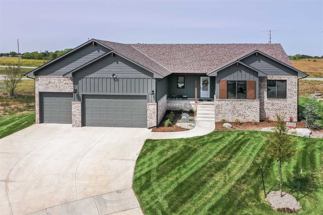 Archibald Homes offers The Eleanor design in Arbor Creek! This model home gives 1504 square feet on