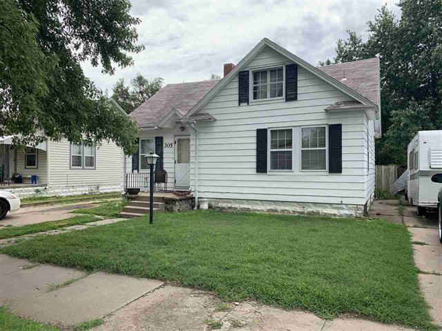 For Sale: 305 W 14th Ave, Hutchinson KS
