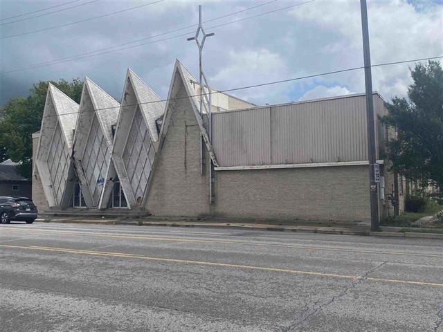 For Sale: 2225 E Central Ave, Wichita KS