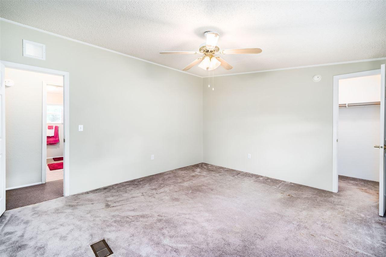 For Sale: 1685 NW Tenth Ave, Kingman KS