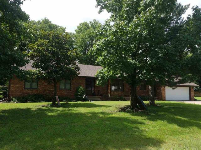 For Sale: 1118 E 9TH ST, Wellington KS