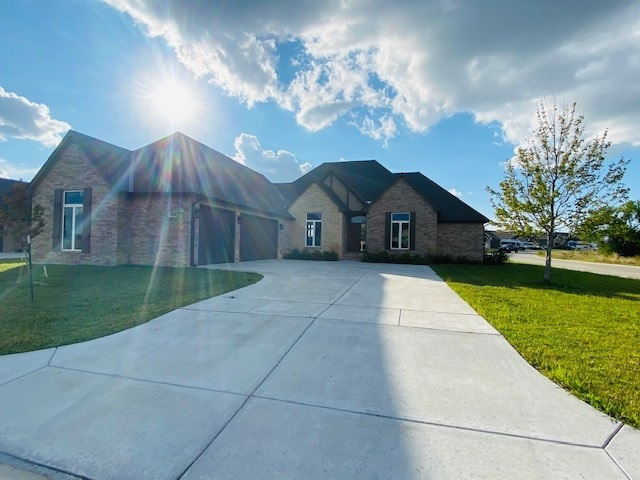 Beautiful Open, bright and Stunning Floorplan.  Former model home, ready for a new family to ENJOY.