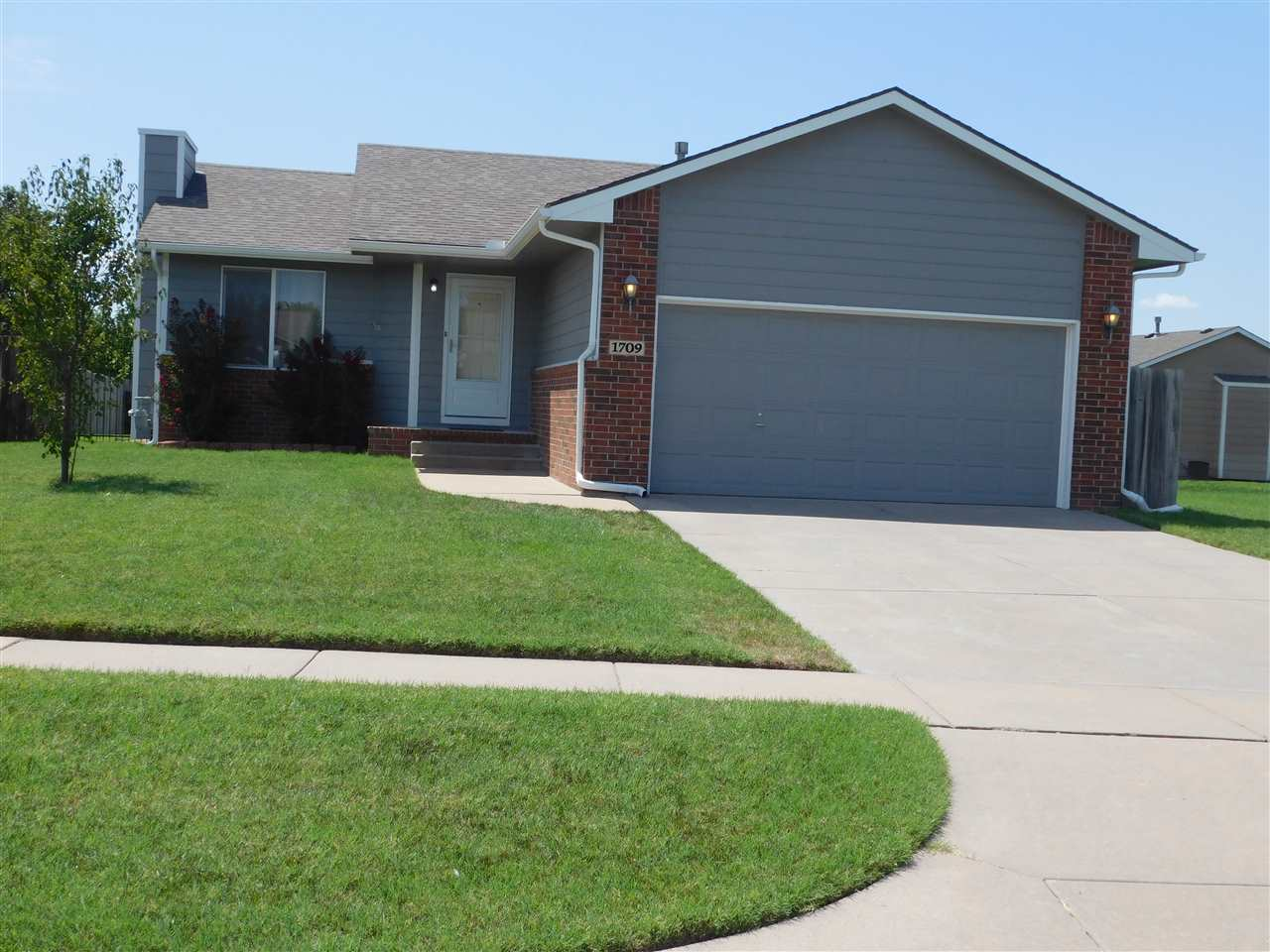 Are you looking for a well maintained home with pride of ownership?  Then this is it!  Highly sought