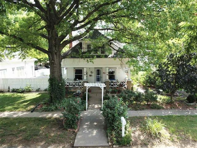 For Sale: 208 N COLLEGE AVE, Mulvane KS