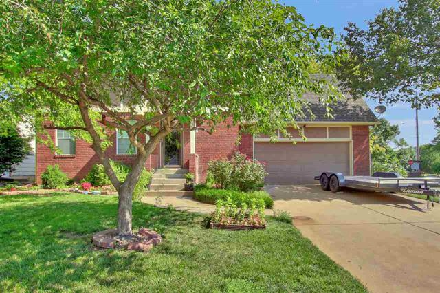 For Sale: 912 W CEDARWOOD CT, Andover KS