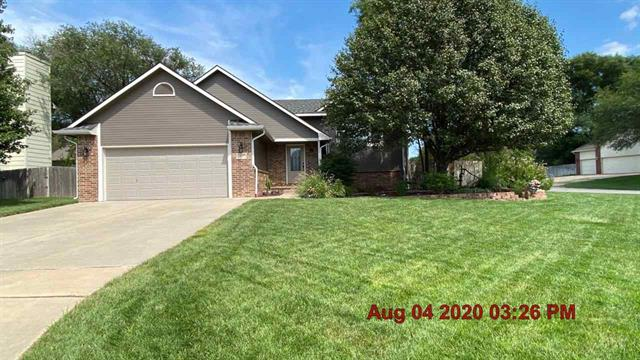 For Sale: 302 N Pinecrest Pl, Andover KS