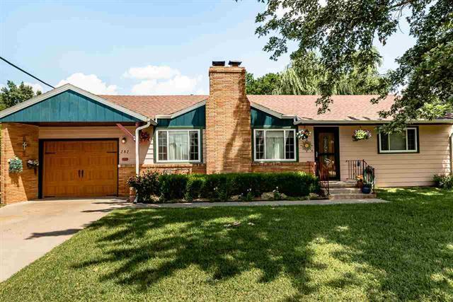 For Sale: 202 S Adams St, Hillsboro KS