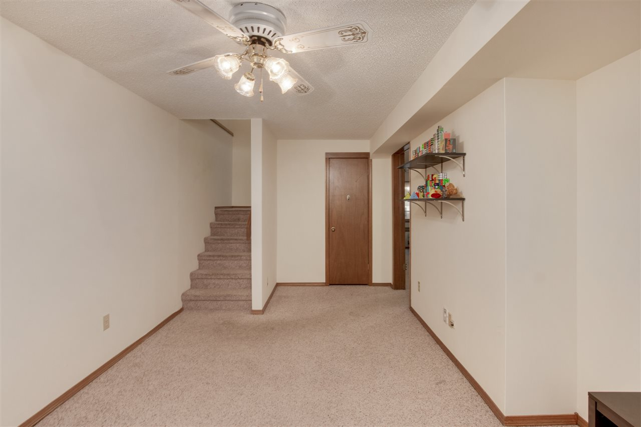 For Sale: 1620 S LONGFORD LN, #305, Wichita KS
