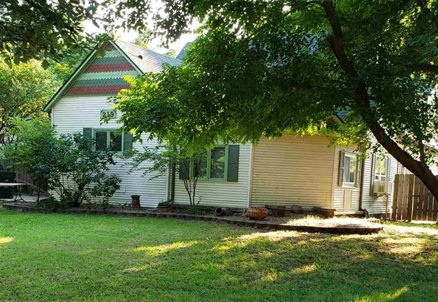 For Sale: 219  Walnut St, Halstead KS