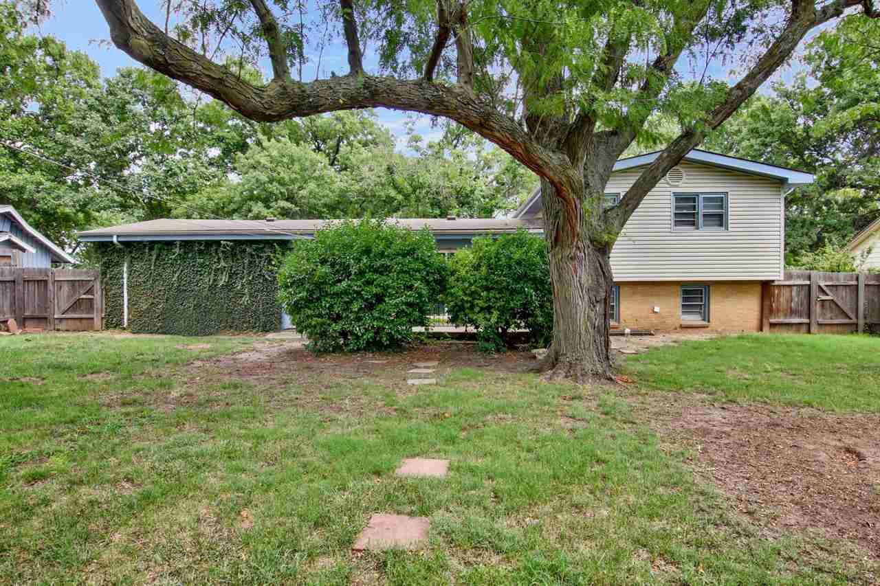 For Sale: 1213  Farmstead St, Wichita KS