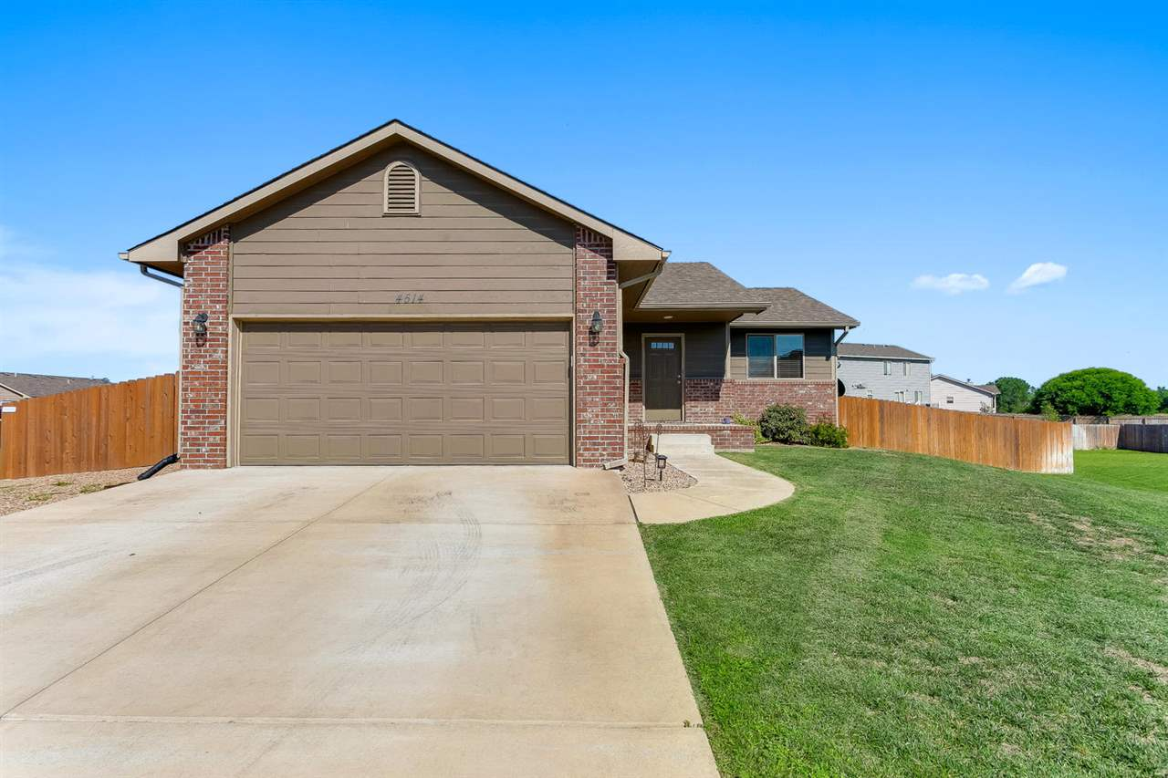 THIS NICELY MAINTAINED HAYSVILLE RANCH FEATURES A GREAT FLOOR PLAN FOR EASY ENTERTAINING. ARCHED DOO