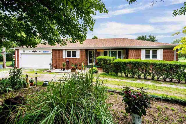 For Sale: 10316 S HOOVER RD, Sedgwick KS