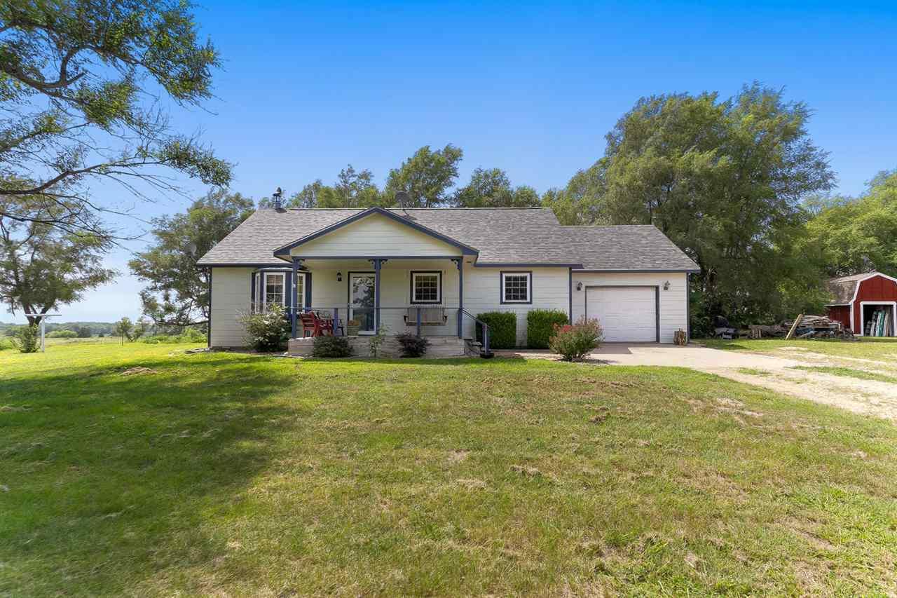 For Sale: 5215 E 17th Ave, Hutchinson KS