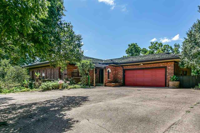 For Sale: 2929 W ORIOLE DR, Wichita KS