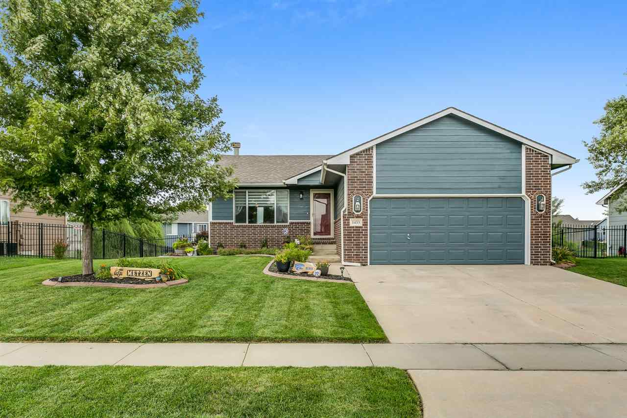 What a gem!  Don't miss your chance on this home located in the Maize schools!  This move-in ready 4