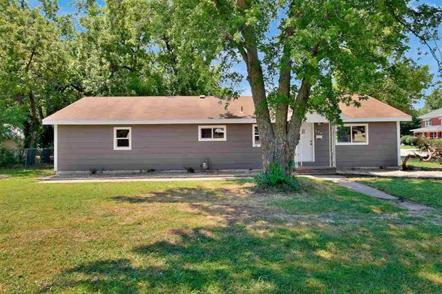 For Sale: 920  Ohio St, Augusta KS