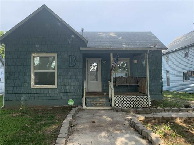For Sale: 1507  Manning St, Winfield KS