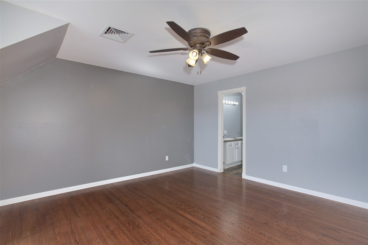 For Sale: 120  Lexington Ct, Andover KS