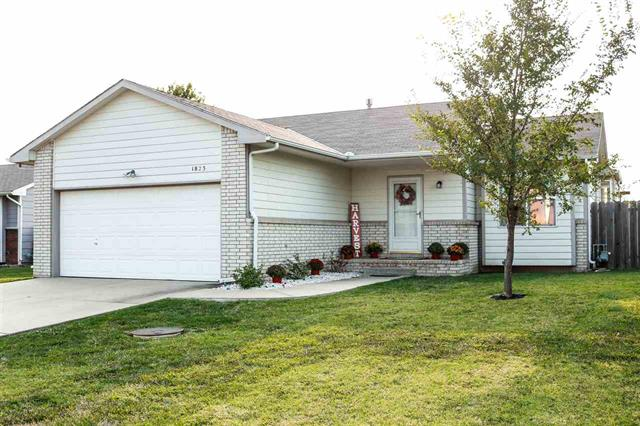 For Sale: 1823 N COUNTRY WALK LN, Mulvane KS