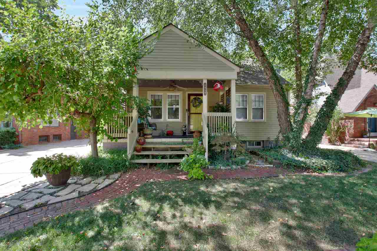 For Sale: 1419 N Woodland Ave, Wichita KS