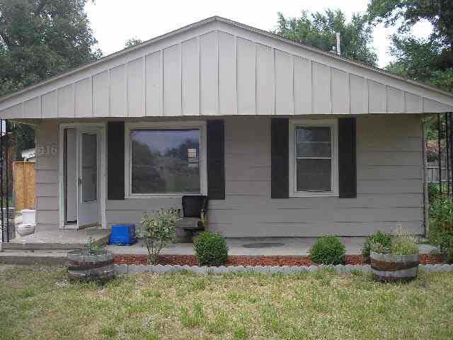 For Sale: 416 SW 11th St, Newton KS