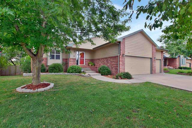 For Sale: 1401 W Quail Crossing Ct, Andover KS