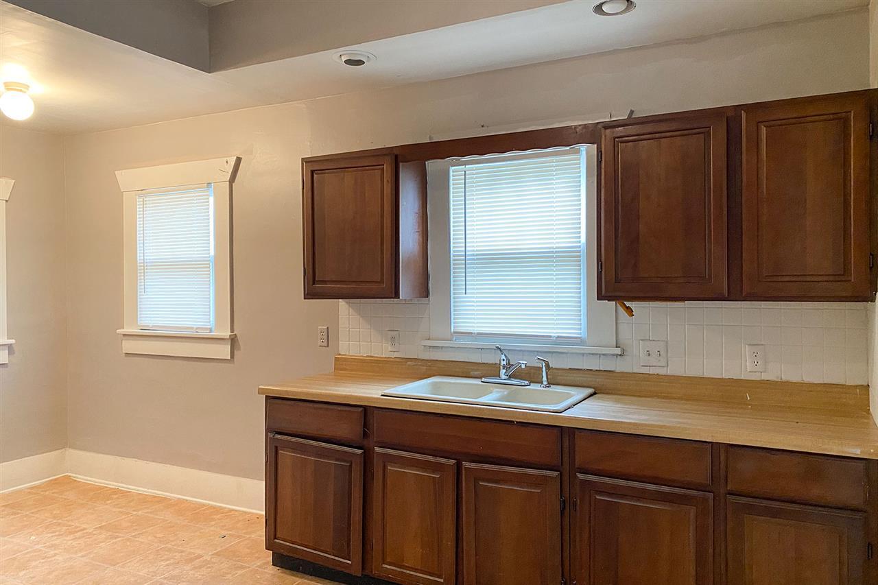 For Sale: 1709 S WASHINGTON AVE, Wichita KS