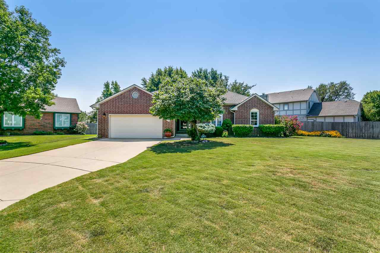 For Sale: 4618 Farmstead Ct., Bel Aire, KS, 67220,