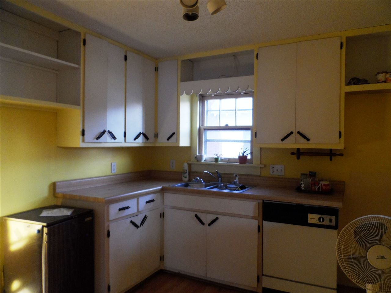 For Sale: 832 N Springfield Ave, Anthony KS
