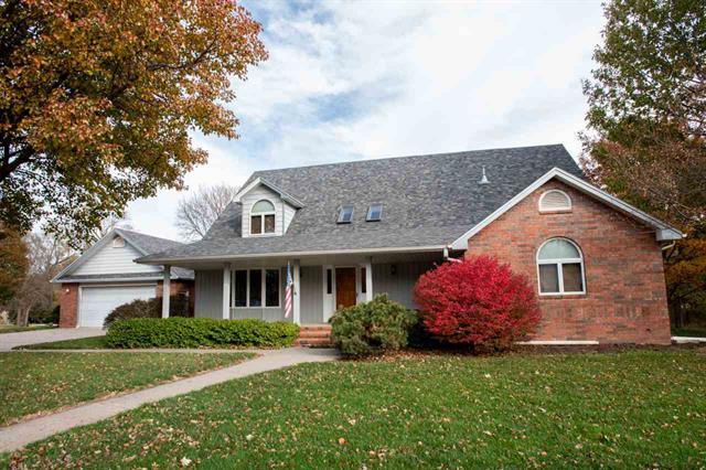 For Sale: 310 S Schmidt Ave, Moundridge KS