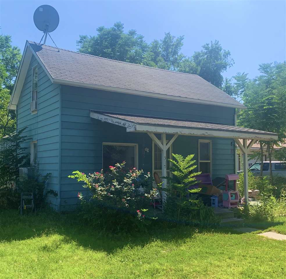 For Sale: 317 W Krehbiel St, Moundridge KS