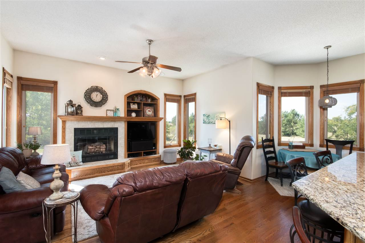 For Sale: 2119 W North Valley Rd, Sedgwick KS