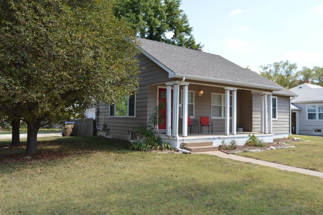 Nice remodeled 2 bedroom 1 bath ranch style home with a detached 1 car garage and large back yard.