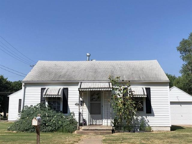 For Sale: 1402 N B Street, Wellington KS