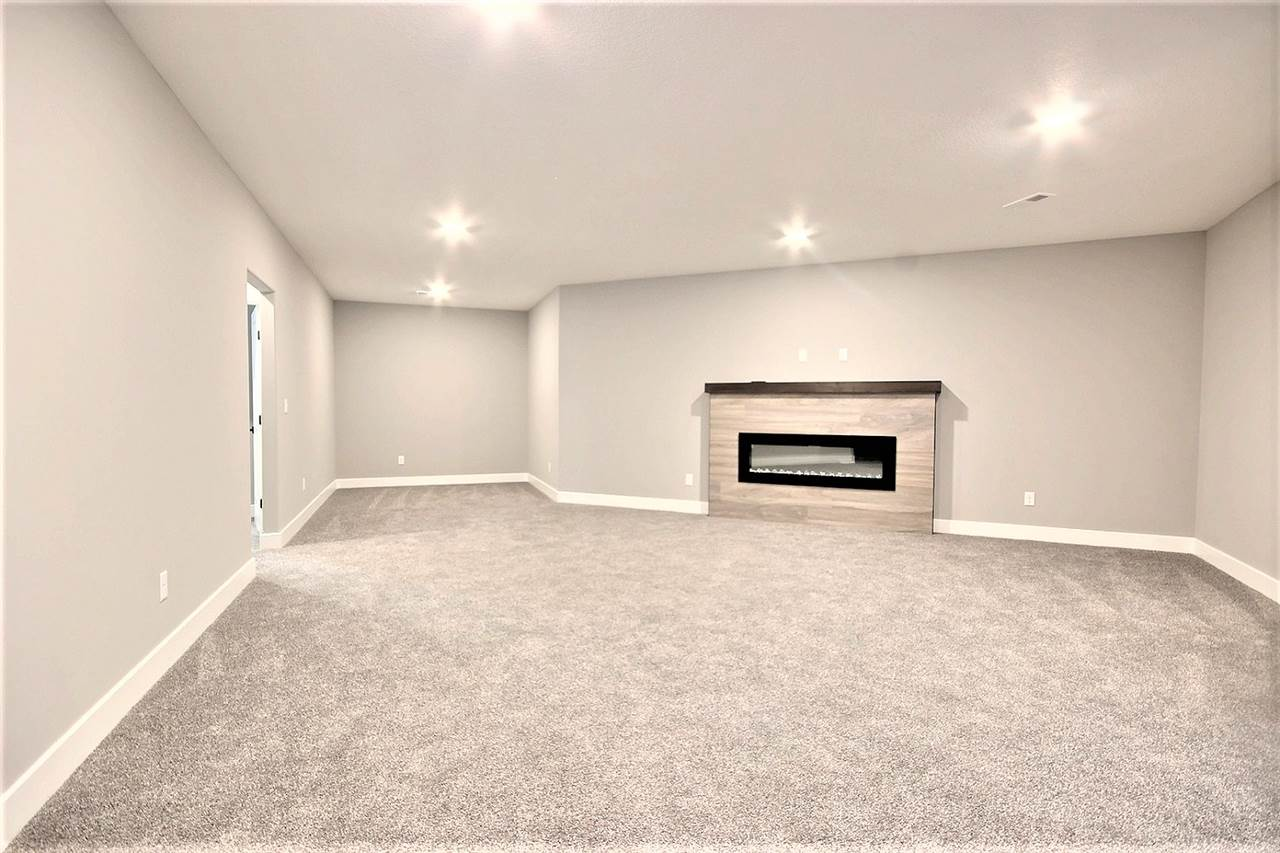 For Sale: 863 E Rough Creek Ct, Derby KS